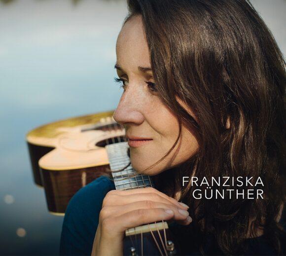 Franziska Günther: Restlessly decelerated Singer-Songwriter Folk